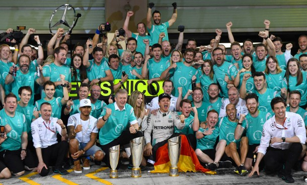Bilderstrecke Zu Nico Rosberg Wird Formel 1 Weltmeister Vor Lewis