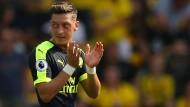 Applaus, Applaus: Mesut Özil trifft, Arsenal gewinnt.