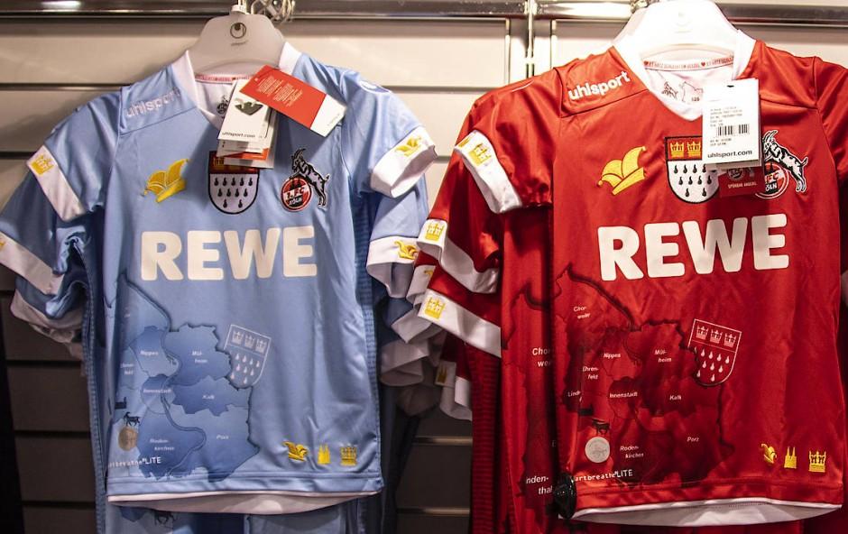 Textilgewordene Zustandsbeschreibung eines Karnevalsvereins: die neuen Trikots des 1. FC Köln