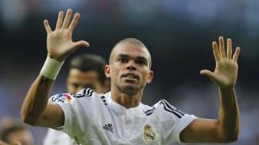 Was will Pepe mitteilen? Vielleicht, dass der zehnfache Europapokalsieger zu gut ist für Barcelona