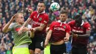 Voller Einsatz in Hannover: Beide Teams schenkten sich nichts.