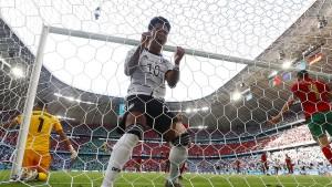 Deutschland gewinnt Fußballspektakel