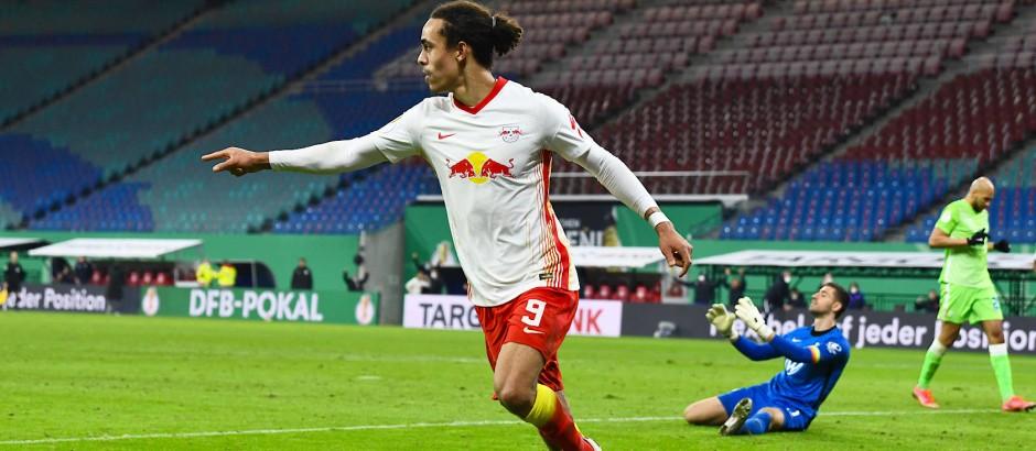 Yussuf Poulsen schoss die Führung für RB Leipzig.