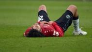 Einmal mehr am Boden: Verteidiger Felipe nach der Niederlage gegen Dortmund