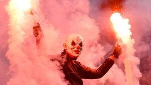 Pyro-Eklat im Hamburger Derby hat ein Nachspiel