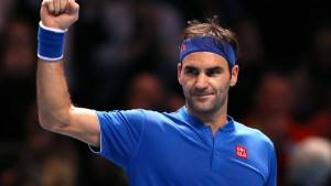 Federer siegt mit dem Rücken zur Wand