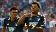 Es ist angerührt: Serge Gnabry freut sich über sein Tor gegen Leipzig