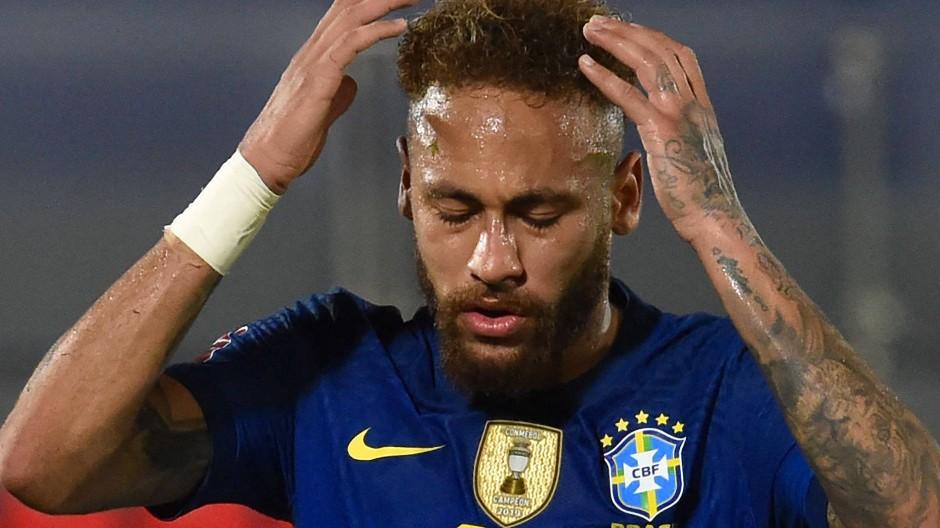 Mit dem Hang zur großen Geste. Neymar und Brasilien spielen bei der umstrittenen Copa America.