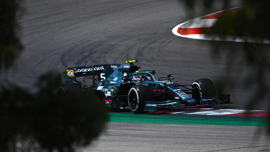 Training an der Algarve: Sebastian Vettel auf der Suche nach der richtigen Spur.