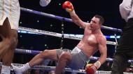 Der Riese wankt und fällt: Wladimir Klitschko verliert in London.