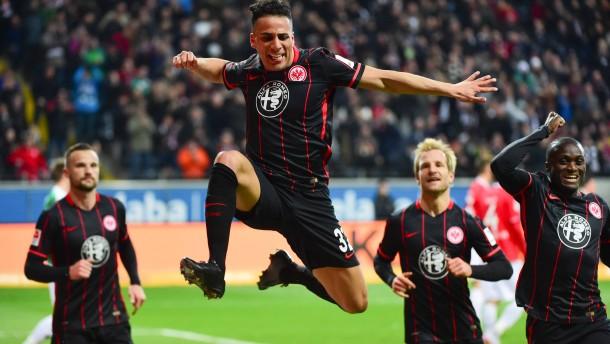 Frankfurt gewinnt Tabellenendspiel