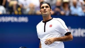 Federer spaziert ins Viertelfinale, Williams will schnell zur Tochter