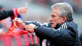 Noch ist Jupp Heynckes da und kann Autogramme als Bayern-Trainer geben