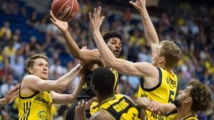 Berlin kämpft sich zum ersten Halbfinal-Sieg