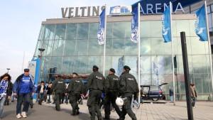 NRW-Innenminister und Schalke legen Streit bei