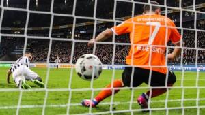 Ein Fehlgriff verhilft Frankfurt zum Sieg