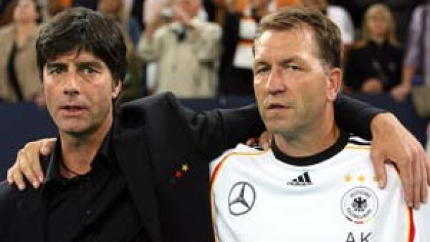 Köpke verlängert, wer wird Co-Trainer?