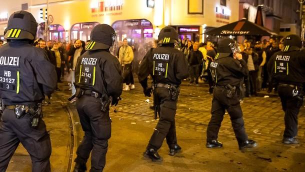 Gewaltausbrüche in Bremen und Heidenheim