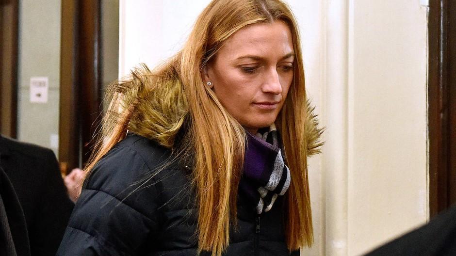 Tennisspielerin Petra Kvitova nach ihrer Aussage vor Gericht.