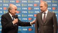 Treffen bei der WM 2014 in Brasilien: Fifa-Präsident Joseph Blatter (links) und Russlands Präsident Wladimir Putin