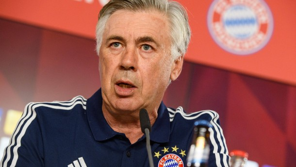 FC Bayern München startet gegen Bayer 04 Leverkusen in Bundesliga