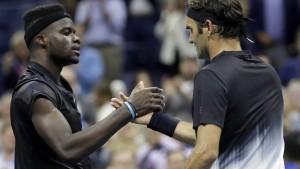 Federer mit Kraftakt in Runde zwei