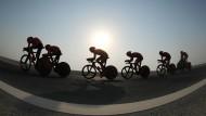Windschattenfahren bei 35 Grad: Team-Zeitfahren in Doha
