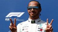 So gefällt das Lewis Hamilton: Der Weltmeister war mal wieder der Schnellste.