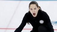 Was macht Angelina Jolie auf dem olympischen Eis?