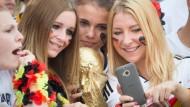 Fans fiebern Ankunft der Nationalmannschaft entgegen