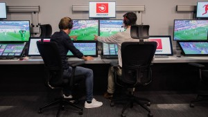 Bundesliga zieht Lehren aus WM beim Videobeweis