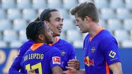 Leipzig bleibt den Bayern im Nacken