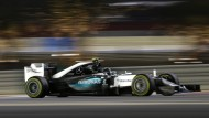 Nico Rosberg ist beim abendlichen Training in Bahrein der Schnellste