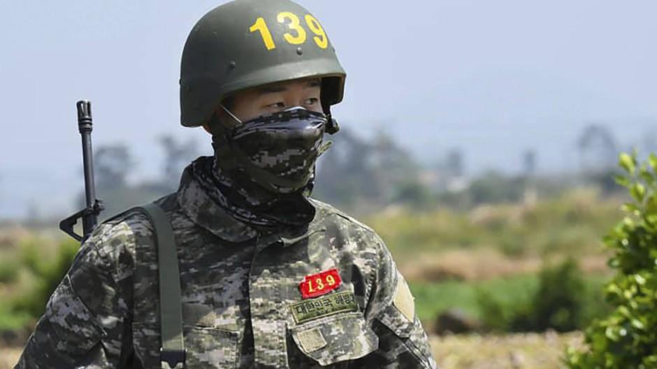 Camouflage statt Tottenham-Trikot: Heung-Min Son als Soldat in Südkorea.
