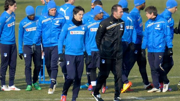 Babbel als neuer Trainer vorgestellt