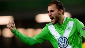 Wolfsburg siegt dank Dost-Doppelpack