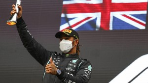 """Eine """"unglaubliche Aufholjagd"""" von Lewis Hamilton"""