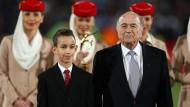 """""""Und sagt man nicht, ein Sieg ohne Kampf ist ein Sieg ohne Ruhm?"""": Joseph Blatter will nochmal Fifa-Präsident werden"""