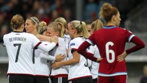 Fußballfrauen siegen dank einer Spätzünderin