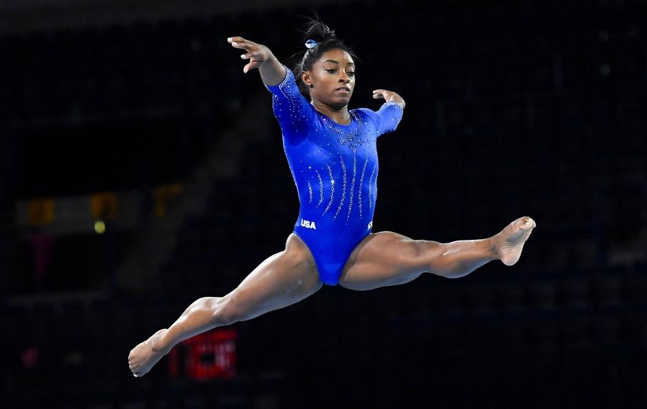 Lässt sich auch von der Olympia-Verschiebung nicht unterkriegen: Simone Biles