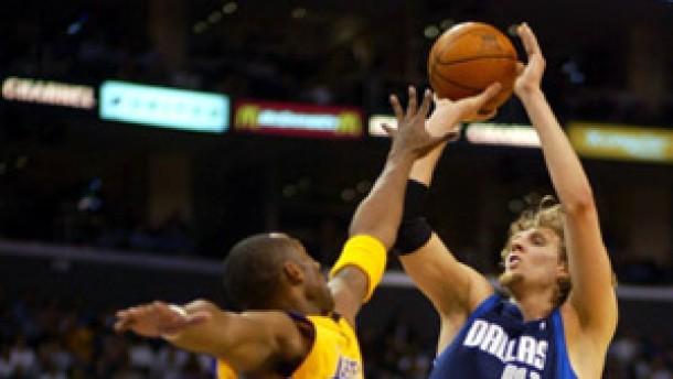 Nowitzki mit Dallas unter Druck - Jordan dementiert Bulls-Rückkehr