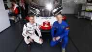 Raumfahrer und Rennfahrer: Der Astronaut Matthias Maurer und der Porsche-Pilot Timo Bernhard (links)