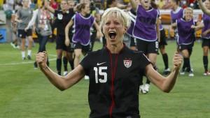 Fußballerin solidarisiert sich mit Footballer