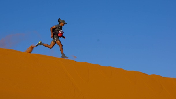 250 Kilometer durch die Sahara