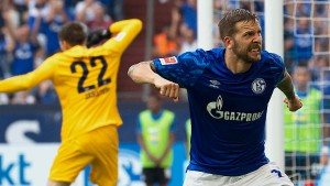 Schalker Glück durch zwei Eigentore