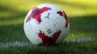 Noch ein neuer Wettbewerb: Der Ball rollt immer weiter und immer mehr.
