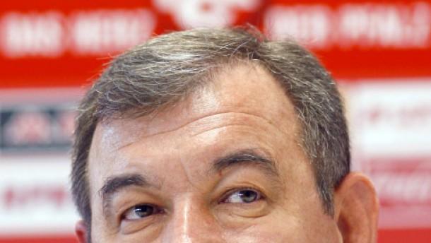 """Trainer Milan Sasic soll die """"Roten Teufel"""" retten"""