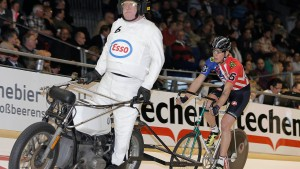 Freie Bahn für den verrückten Fahrradkurier