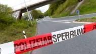 Die Polizei ist trotz der Absage des Radrennens an der Strecke präsent