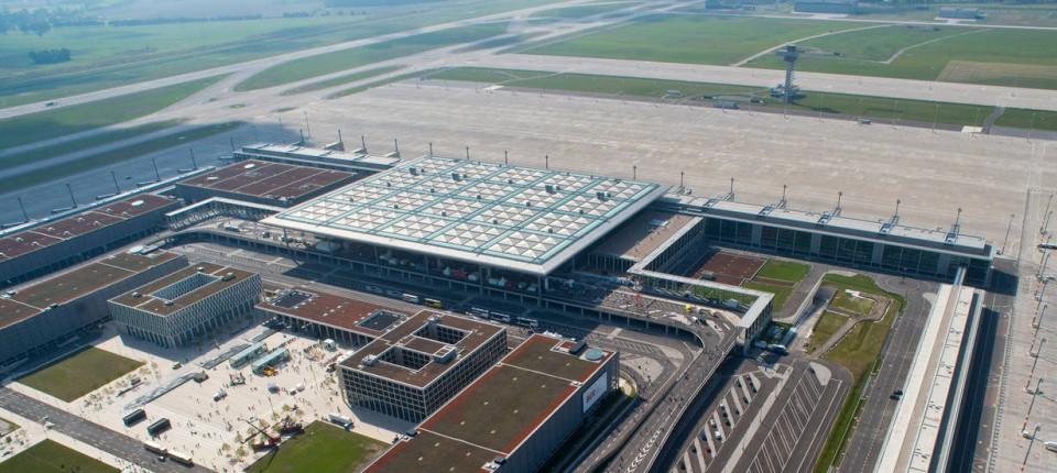Berliner Flughafen Mehrere Ber Manager Unter Betrugsverdacht